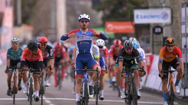Pech Tratnika i triumf Bonifazio na 5. etapie Paryż - Nicea