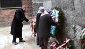 Byli więźniowie złożyli kwiaty pod Ścianą Straceń w Auschwitz