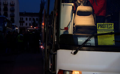Manifestacja przed MEN. Nauczyciele z Krakowa jadą do Warszawy