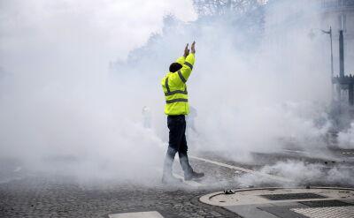 """W całym kraju protestuje 31 tysięcy """"żółtych kamizelek"""""""