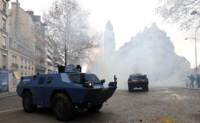 Protesty i starcia w Paryżu. Francuzi czekają na reakcję prezydenta Macrona