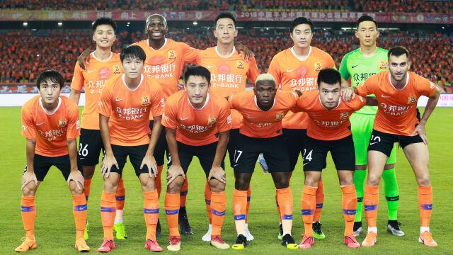 Piłkarze z Wuhanu zostali zaproszeni na El Clasico