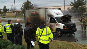 Pożar ciężarówki z pączkami. Policjanci