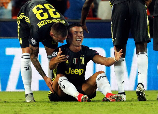 Kuriozalna kartka Ronaldo. Wyleciał z boiska i wpadł w histerię