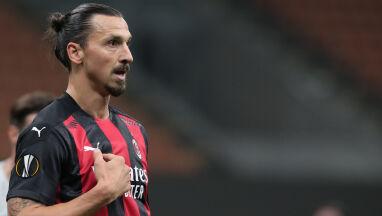 Ibrahimović zakłada maseczkę.