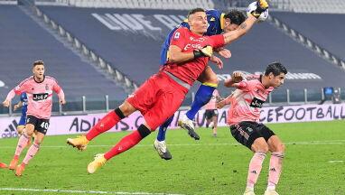 Włoska piłka znowu bez kibiców na trybunach. Co najmniej przez miesiąc