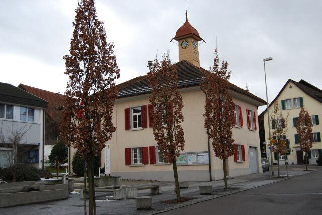 Rodzina imigrantów rozsadza budżet szwajcarskiej wioski
