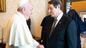 Papież odwiedzi Cypr.