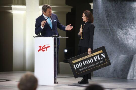 Nagrodę odbiera Bianka Mikołajewska