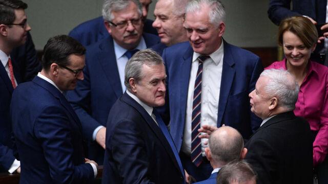 """Rozmowy Kaczyńskiego, Ziobry i Gowina. Porozumienie """"niedługo będzie"""""""
