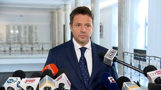 Trzaskowski o słowach Gowina: to oznacza wypowiedzenie traktatów i wyjście z Unii Europejskiej