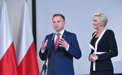 """Okrzyki """"konstytucja"""" w trakcie przemówienia. Prezydent w liceum w Gdyni"""