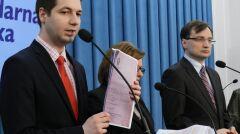Magazyn   Konferencja prasowa Patryka Jakiego, Beaty Kempy i Zbigniewa Ziobry, październik 2015 r.
