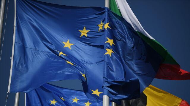 Unijny szczyt wznowił obrady z kilkugodzinnym opóźnieniem. Tusk: porozumienie jest coraz bliżej