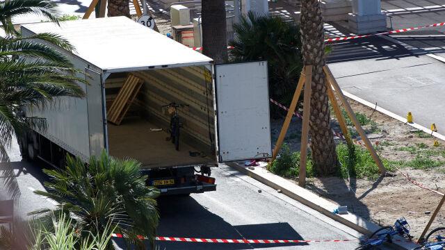 W tym miejscu zatrzymała się ciężarówka. Relacja korespondentki TVN24 BiS