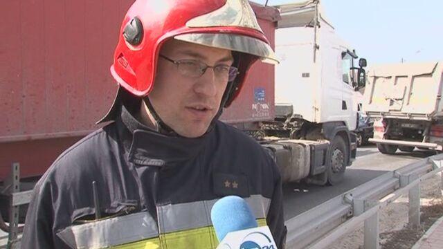 Strażak uderzył w karetkę (TVN24)