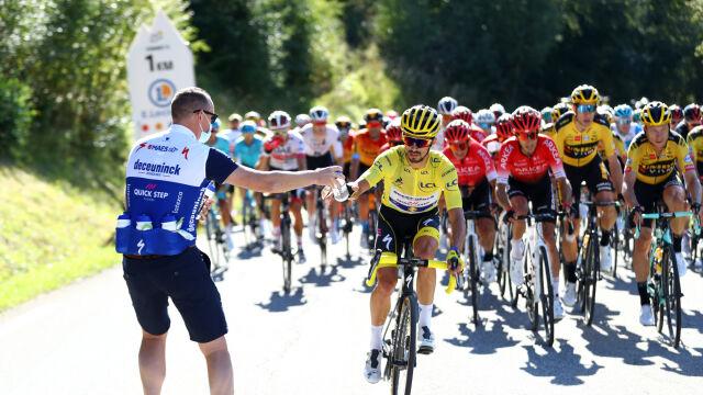 """Stracił prowadzenie w Tour de France przez prosty i kosztowny błąd. """"Nie mogę nic zrobić"""""""