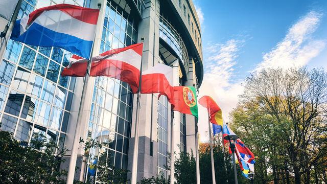 Europosłowie za większym budżetem na promocję demokracji i praworządności