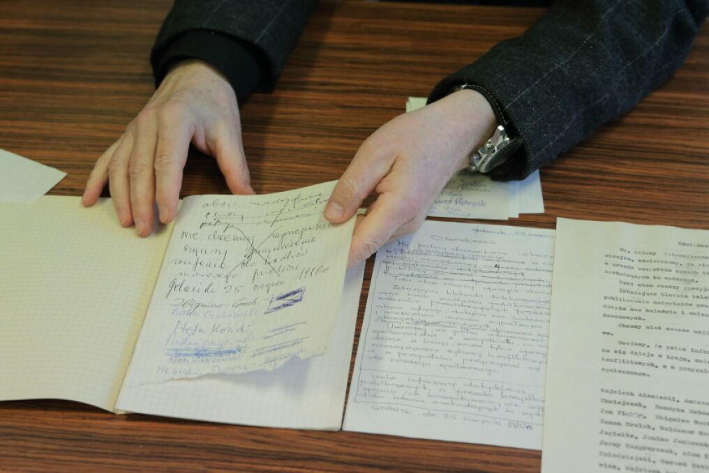 Dziennikarze dopisywali się i wykreślali