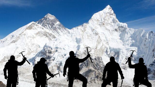 Wchodził na Mount Everest bez pozwolenia. Kara: 22 tysiące dolarów