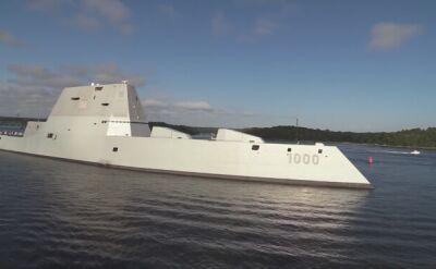 Niszczyciel rakietowy USS Zumwalt wychodzi w morze