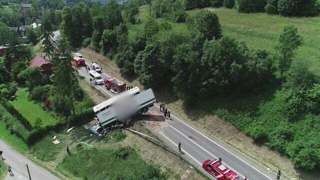 Wypadek w Tenczynie. Zdjęcia z drona