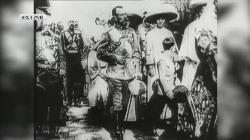 Trzy miesiące po śmierci Rasputina do abdykacji został zmuszony car Mikołaj II