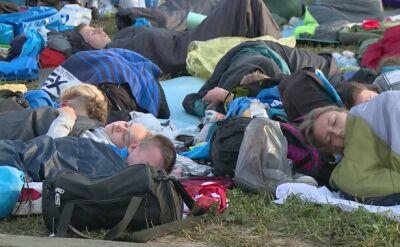 Budzą się pielgrzymi, którzy spędzili noc na Campus Misericordiae