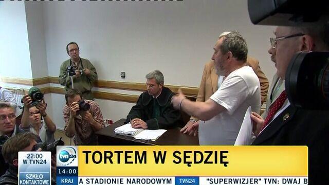 Tortem w sędzię na rozprawie Kiszczaka
