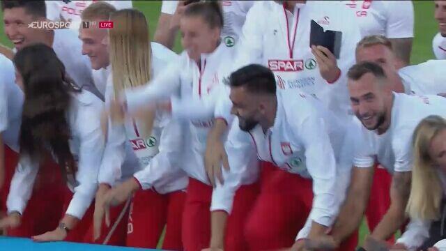 Polacy cieszą się z drużynowego mistrzostwa Europy