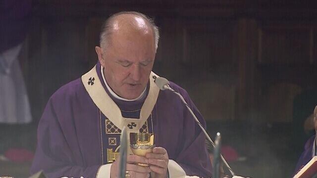 Ksiądz Lemański koncelebrował mszę  żałobną Bartoszewskiego. Kuria zaskoczona