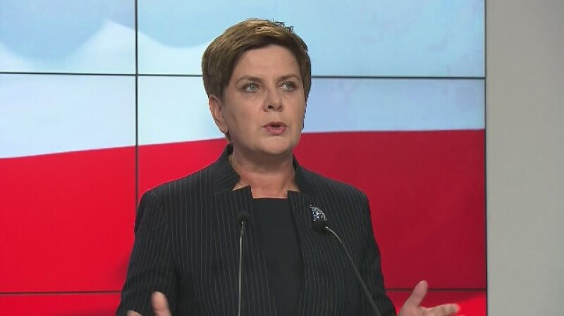 Beata Szydło przedstawia Jarosława Gowina jako prawdopodobnego szefa MON
