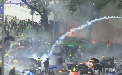 Policja tłumi demonstrację w Hongkongu. Użyto gazu łzawiącego i armatek wodnych