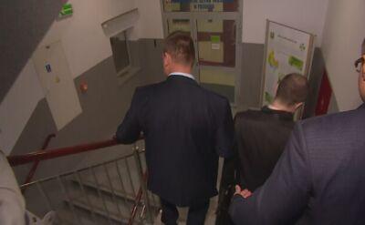 Kierowca Macierewicza przesłuchany. Adwokat odsyła dziennikarzy do prokuratury