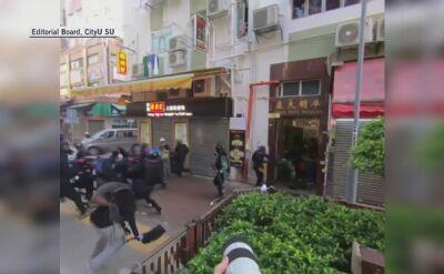 Gwałtowne starcia w Tsuen Wan. Policjant strzela z rewolweru do atakującego go demonstranta