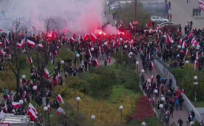 Tłum uczestników Marszu Niepodległości 2017 na Rondzie Dmowskiego