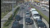 Patrol eskortował rodzinę ulicami Legnicy (wideo bez dźwięku)