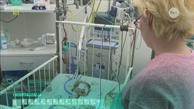 Mama Nel wyjaśnia: już na pierwszym zdjęciu RTG córki, wykonanym 23 grudnia, widać igłę
