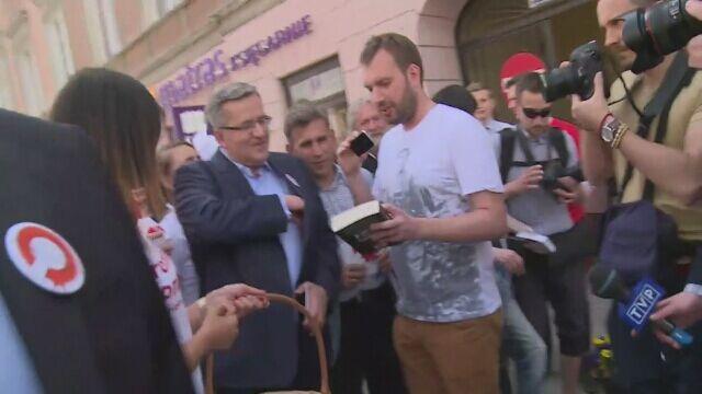 Spacer Komorowskiego po Warszawie. Pytanie o książkę Sumlińskiego.