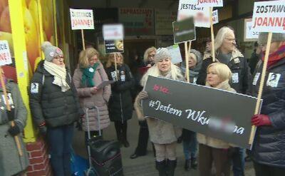 Protest kobiet przed komisariatem
