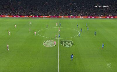 Protest przeciwko rasizmowi w meczu Ajax - Heracles. Piłkarze nie grali przez minutę