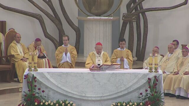 """""""Oto Polska w 1050. rocznicę Chrztu uroczyście uznała królowanie Jezusa Chrystusa"""""""