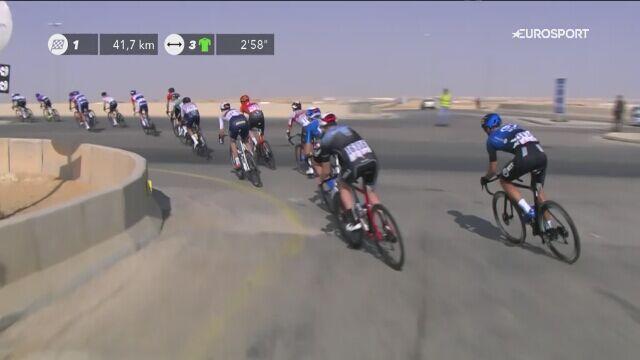 Wywrotka podczas 4. etapu Saudi Tour