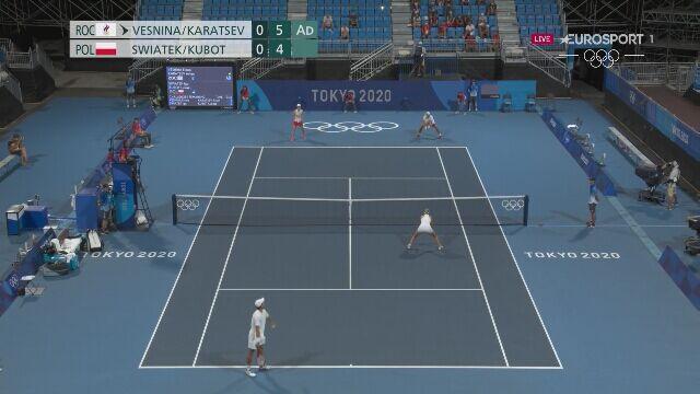 Tokio. Tenis: Świątek i Kubot przegrali 1. seta z Wiesniną i Karacewem