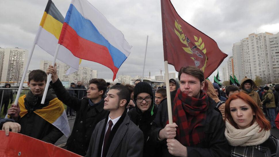 Rosyjscy nacjonaliści i neofaszyści przemaszerowali w rocznicę wyrzucenia Polaków z Kremla