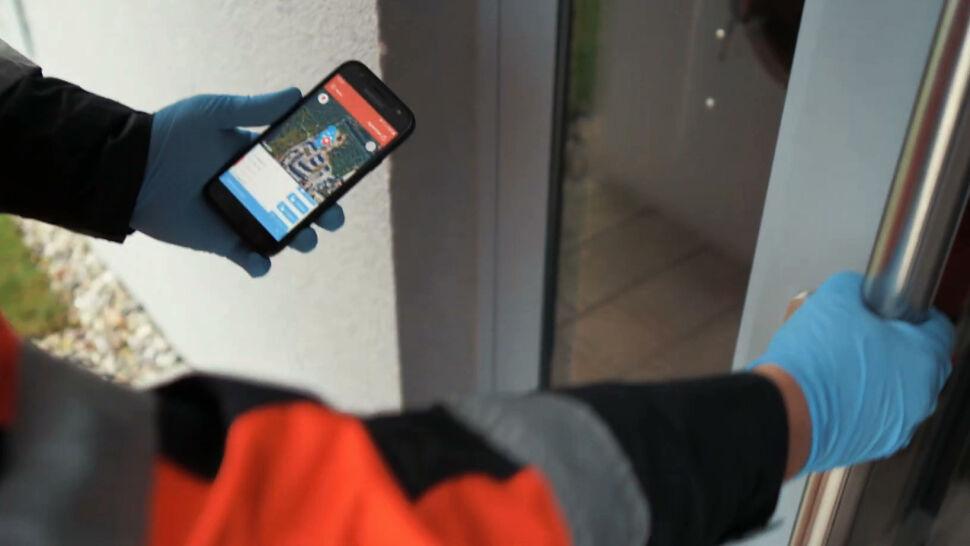 """""""Ratunek bez Barier"""". Innowacyjna aplikacja ma pomóc w ratowaniu życia"""