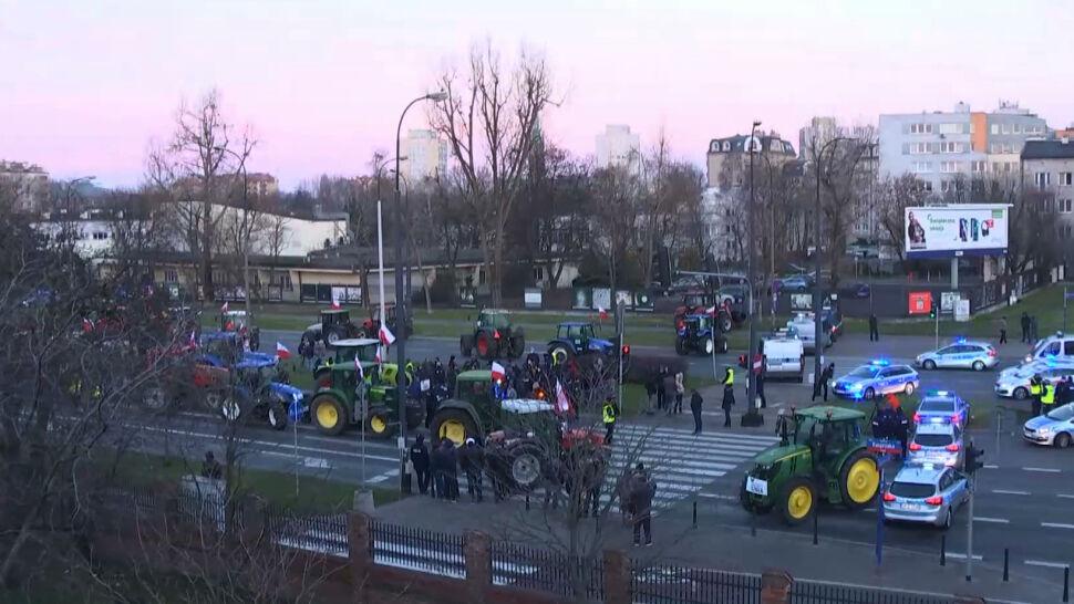 """""""To jest rząd, który gardzi rolnikami"""". Kolejny protest w Warszawie"""