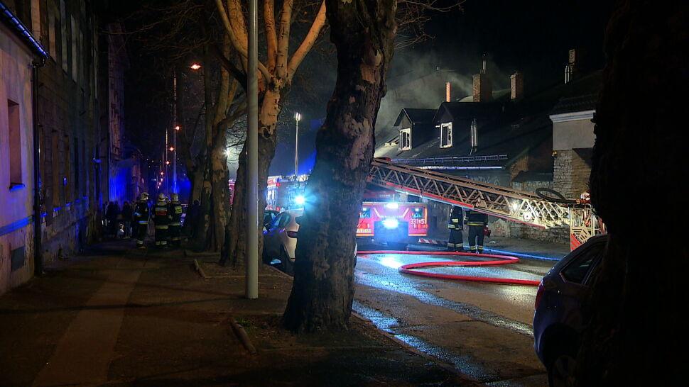 Pożar kamienicy w Bielsku-Białej. Zatrzymany mężczyzna groził sąsiadom
