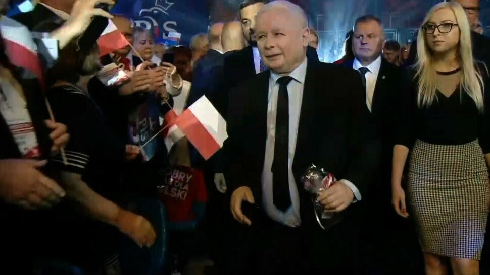 """Kaczyński o """"ustroju trybunalskim"""" i odpowiedź opozycji. """"Na sędziów dalej jest hejt"""""""