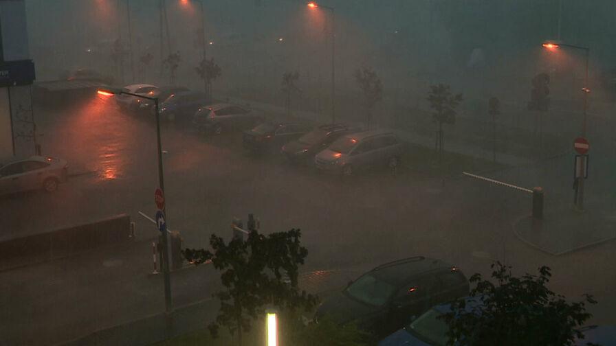 Oberwanie chmury nad Łodzią. Wiele budynków zostało zalanych